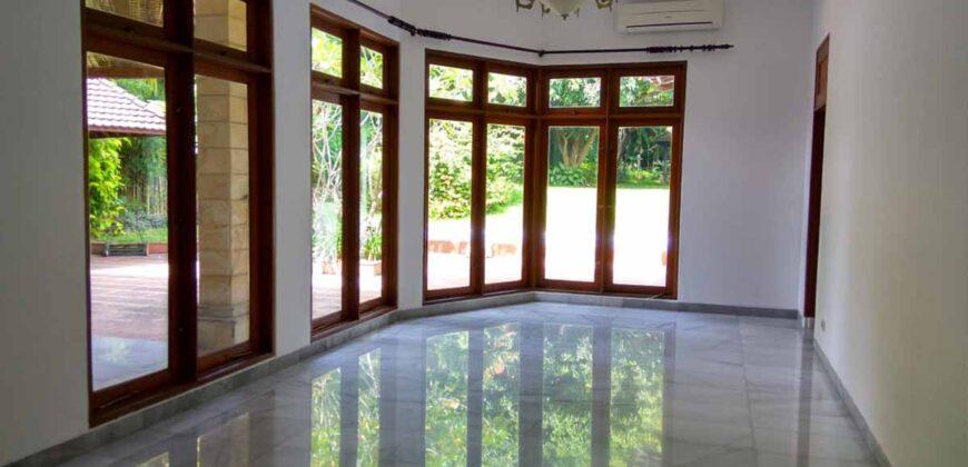 Disewakan Rumah dengan Lingkungan Asri dan Tenang