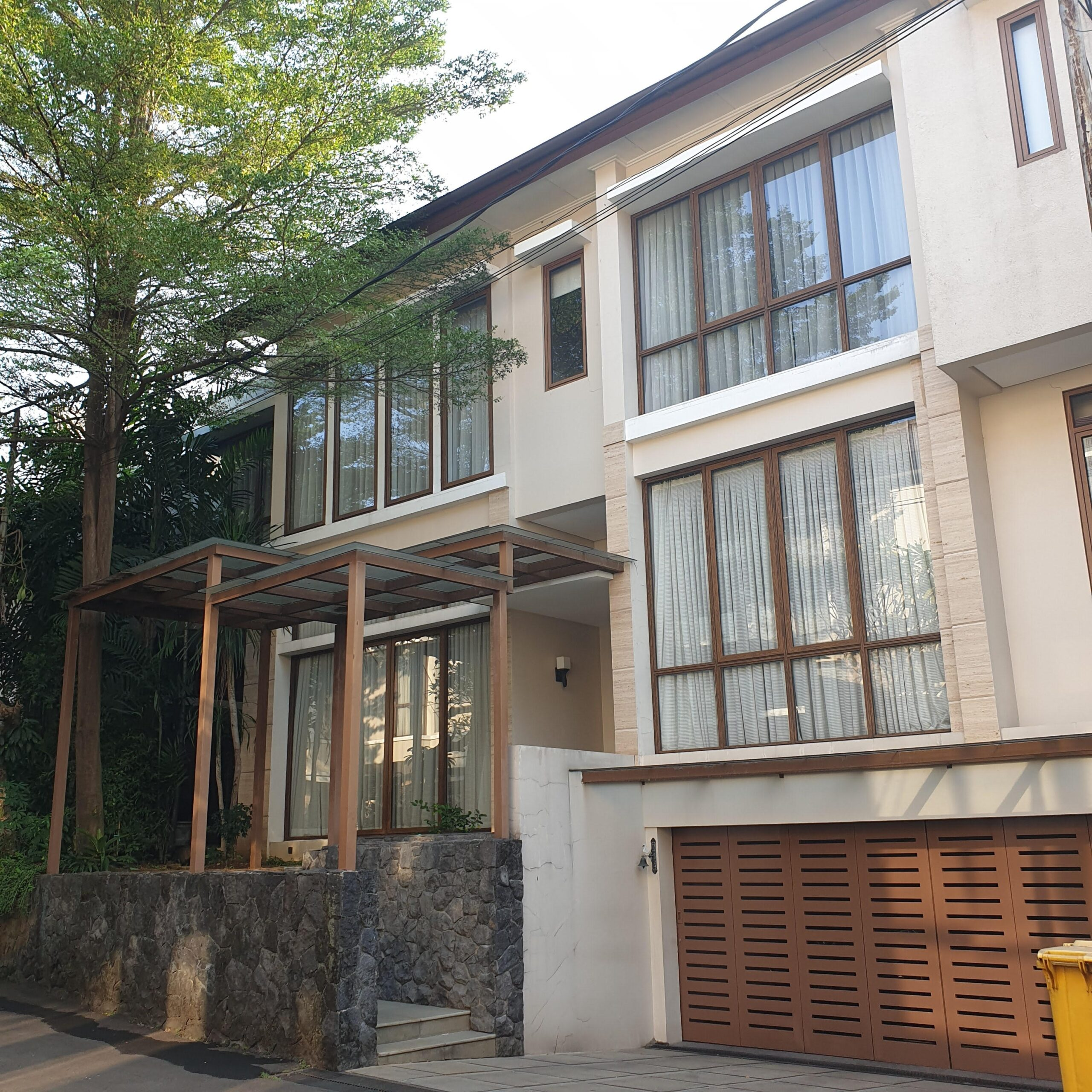 New townhouse with tropical & modern style at Jeruk purut kemang