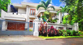 Rumah Modern Mewah Lokasi Nyaman di Pondok Indah