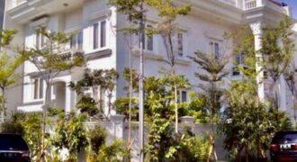 Dijual SEGERA Rumah Mewah Hook Villa Arta Gading